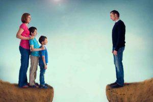 Familie trennt sich vom Vater